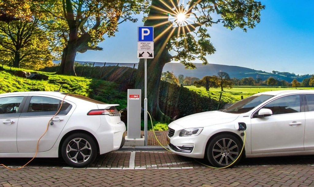 voiture hybride solaire technologie