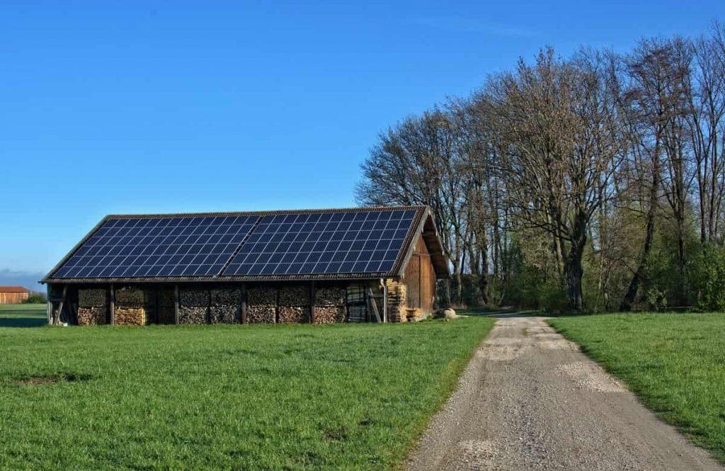 Hangar solaire stockage