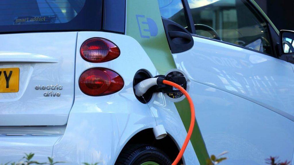 borne voiture recharge energie solaire