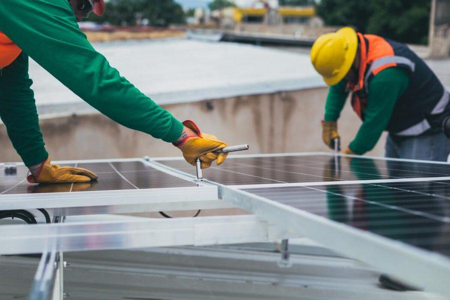 nettoyer des panneaux solaires